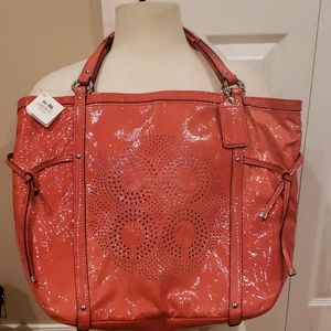 NWT COACH PATENT LEATHER TOTE!!!